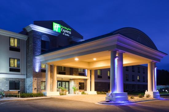 Photo of Holiday Inn Express Hotel & Suites Madison-Verona
