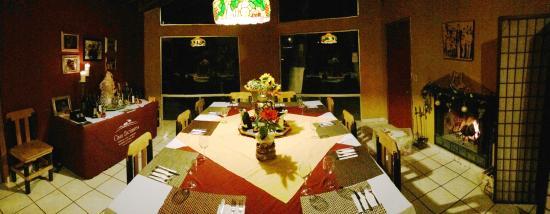 Casa Encinares Bed and Breakfast: Comedor interior para tiempos frios o Lluviosos