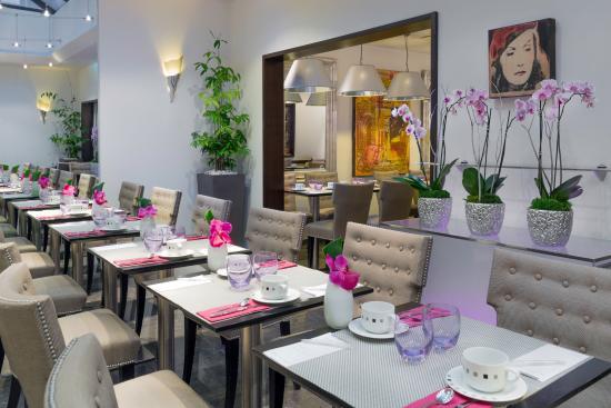 هوتل أوتيويل: Breakfast room