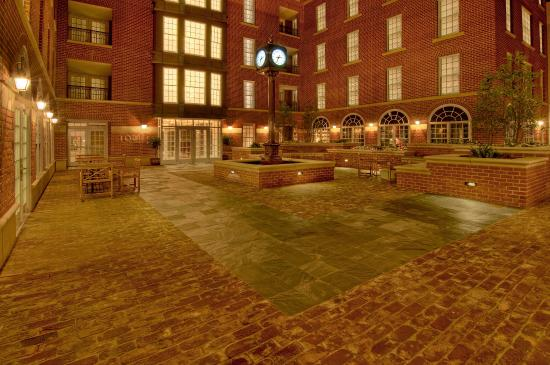 Lorien Hotel and Spa, a Kimpton Hotel: Exterior - Courtyard