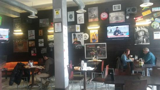 Cafe' 33