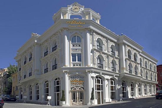 โรงแรมอัลบาทรอสพรีเมี่ยร์