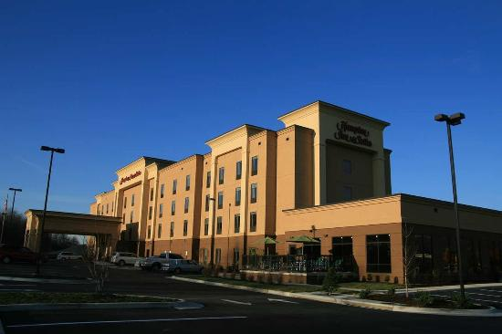 Photo of Hampton Inn and Suites Woodstock, VA