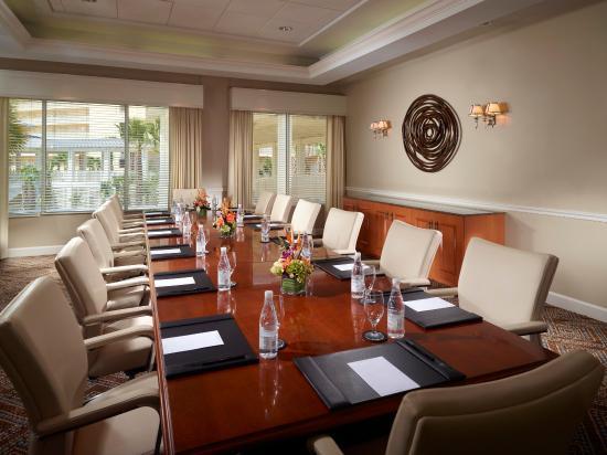 Omni Amelia Island Plantation Resort: Azaela Boardroom