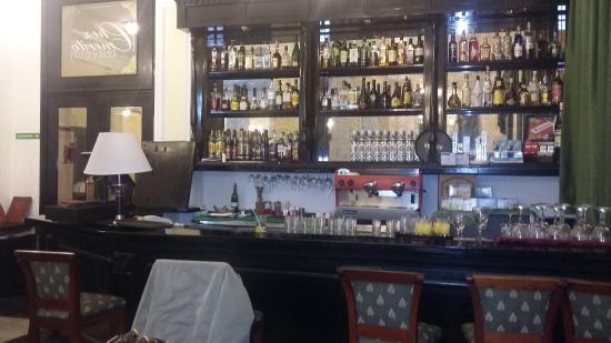 Elegant Hotel Roc Presidente: Aparador En Madera Noble (creo Caoba) En El  Restaurante/