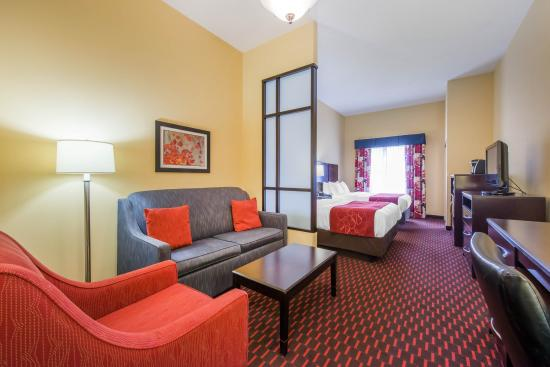 Comfort Suites Altoona: Double Queen Suite
