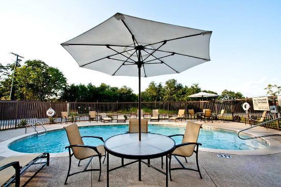 เดนิสัน, เท็กซัส: Outdoor Pool