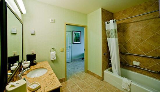 Denison, TX: Upscale Bathrooms