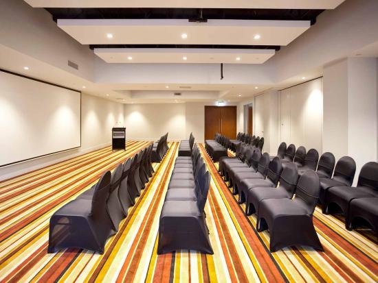 พูลแมนอัคแลนด์: Meeting Room