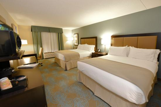 Holiday Inn Express Hotel & Suites Waterloo - St Jacobs : Our comfortable Two Queen Bedroom