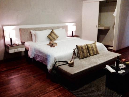 spacious bedroom picture of tresor d angkor suite siem reap rh tripadvisor com
