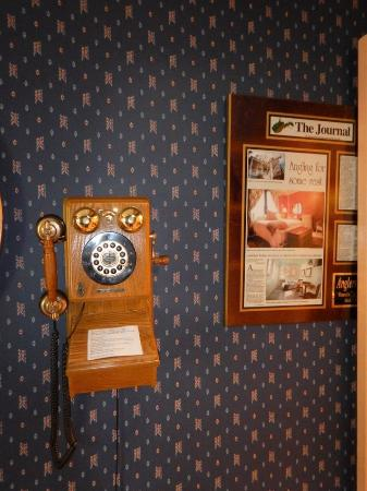 The Angler's Inn Bed and Breakfast: This old phone actually still works!