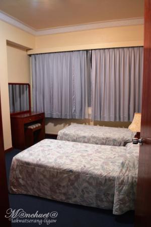 cloth set picture of jubilee hotel bandar seri begawan tripadvisor rh tripadvisor com