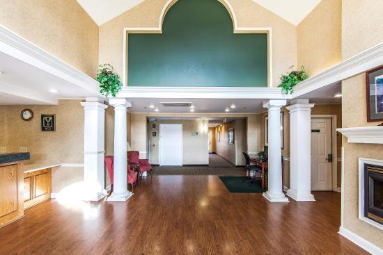 Quality Inn Oak Ridge : Lobby