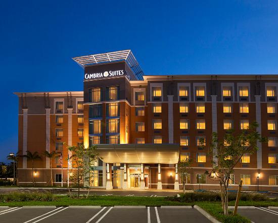 邁阿密機場藍湖坎布里亞套房飯店