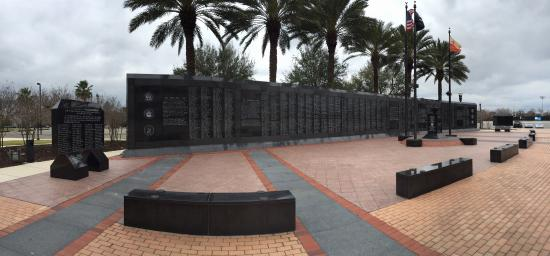 Veterans Memorial Wall : photo1.jpg