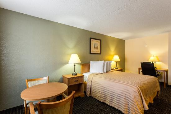 Photo of Rodeway Inn & Suites New Orleans