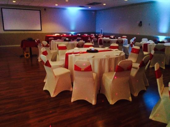 Winter Haven Suites and Conference Center: Banquet Hall