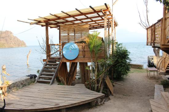 Hostal del Lago: Yoga zone situated in front of the lake