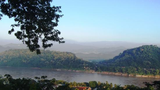 Mount Phousi : mekong river from distance