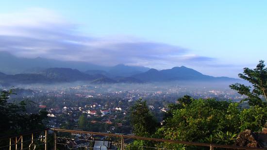 Mount Phousi : morning view of Luang Prabang