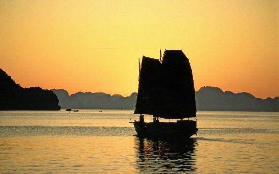 Paysage lever et coucher de soleil sur la mer est très belle ... on
