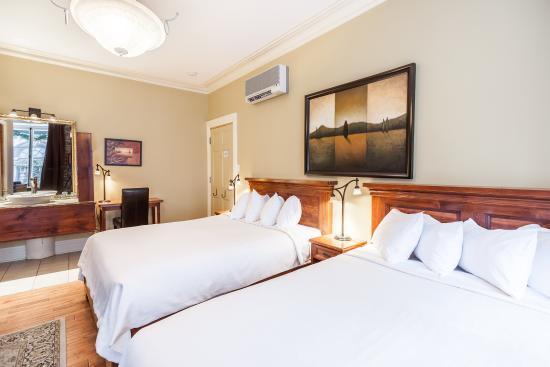 Chambre Superieure 2 Lits Doubles Hotels Nouvelle France