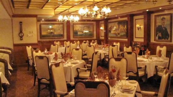 Delightful Seafare Of Williamsburg: Seafare Dining Room.