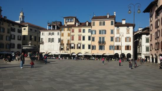 Piazza san giacomo udine aktuelle 2017 lohnt es sich for Casa moderna udine 2017 orari