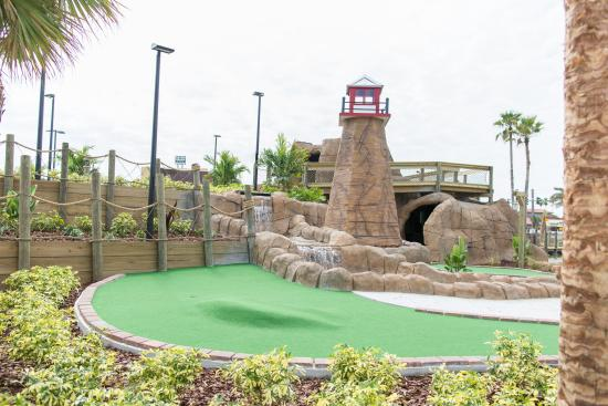 ‪Lighthouse Cove Adventure Golf‬