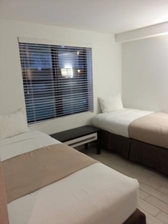 Port Saint Lucie, فلوريدا: One of the childrens/teen room in the two room suites.