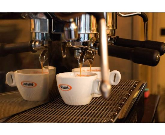Taverna Bella Napoli: Un buon caffe...