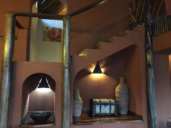 Tawi Lodge: Inside the main lodge