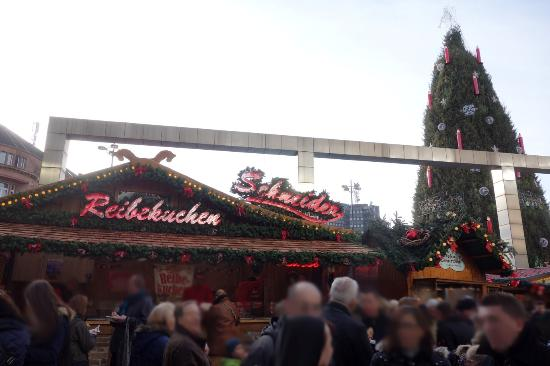 Weihnachtsmarkt Dortmund Bis Wann.Weihnachtsmarkt Dortmund Hansaplatz Picture Of Dortmund Christmas