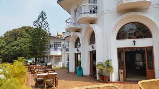Breakfast Area Picture Of Sunset Beach Resort Candolim