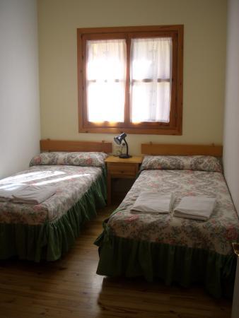 Apartamentos Ball Benas: Habitación Con Dos Camas Individuales.