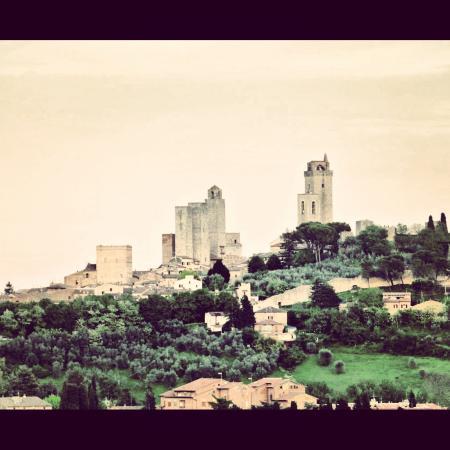 Hotel Villa Ducci: Vistas de San Gimignano desde habitacion