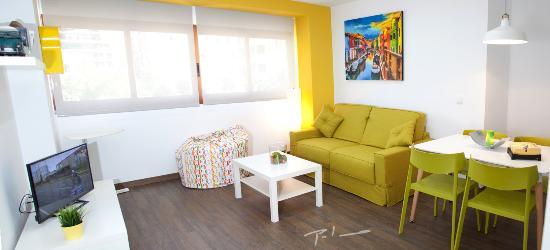 Salon Comedor Yellow Suite - Picture of Color Suites Alicante ...