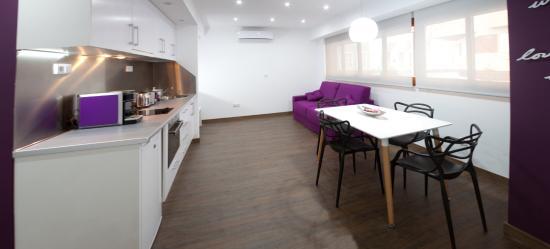 Salon Comedor Lila Suite - Picture of Color Suites Alicante ...
