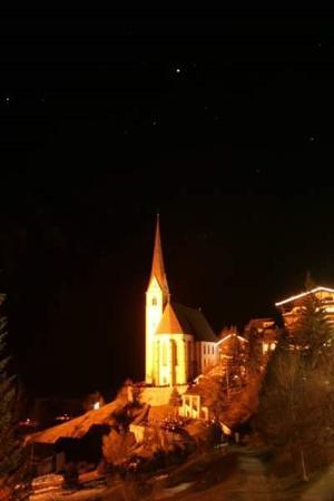 Gasthof Tauernalm: Heiligenblut bei Nacht
