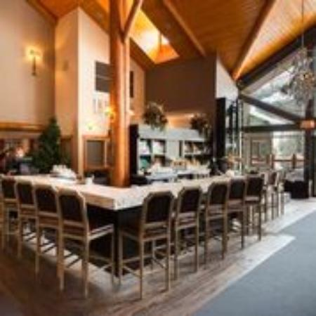 Cirque Restaurant and Bar