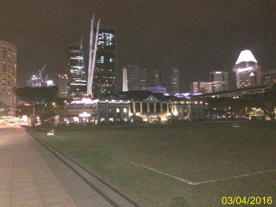 The Residence At Singapore Recreation Club: Вид со стороны Сити Холла