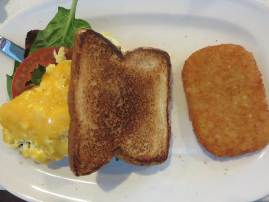 """The Counter: Burnt white """"Texas toast"""" and """"hash browns"""""""