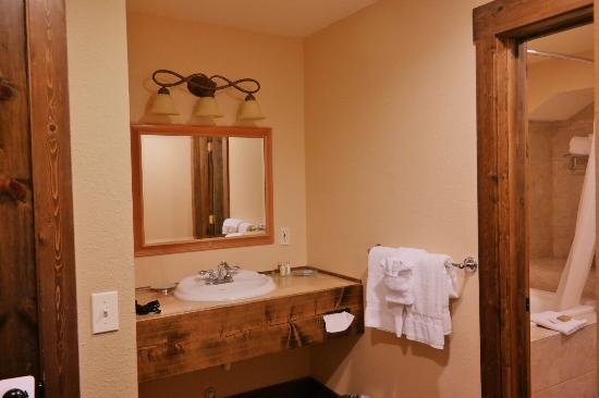 photo5 jpg picture of duck inn lodge whitefish tripadvisor rh tripadvisor com