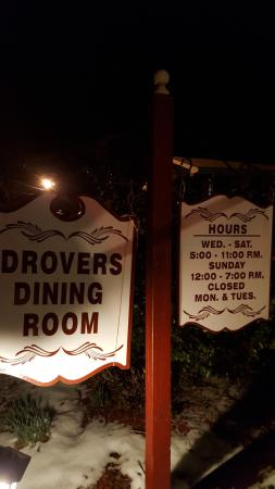 Wellsburg, Virginia Occidental: My first dining experience at Drover's.  Salmon salad was very tasty with waffle fries on it.  M