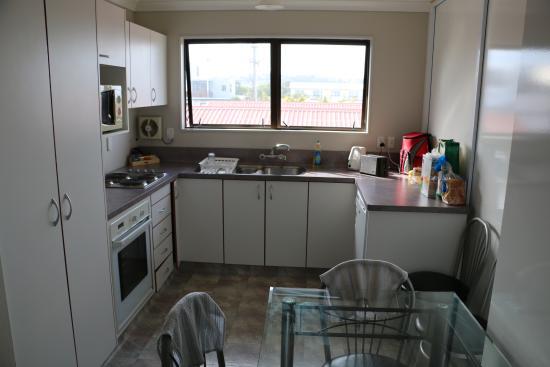 Albatross Motel: Kitchen