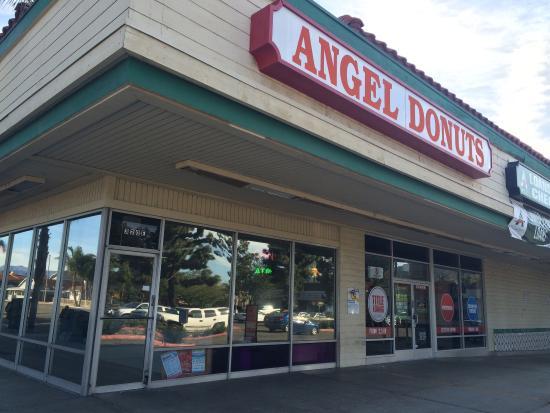 Santa Paula, Kaliforniya: Yummy fresh apple fritters and more!!