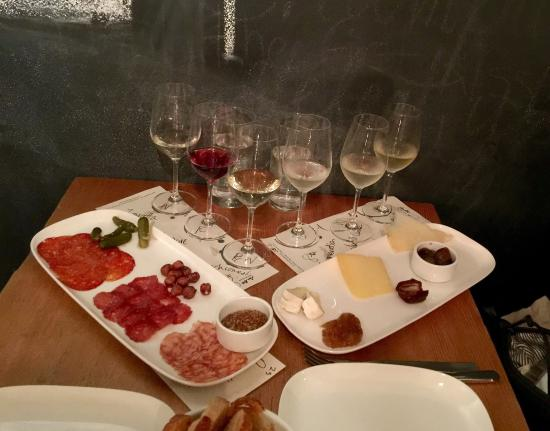 Salt Tasting Room : Great local wines and tasty meats and cheese served up by friendly and knowledgable staff - grea