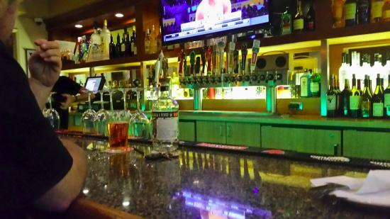 Swami's Cafe: Full bar