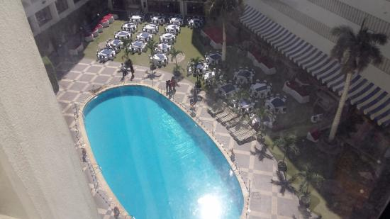 Regent Plaza Hotel: Swimming and Fitness Area